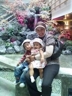 Ibu Prita beserta anak